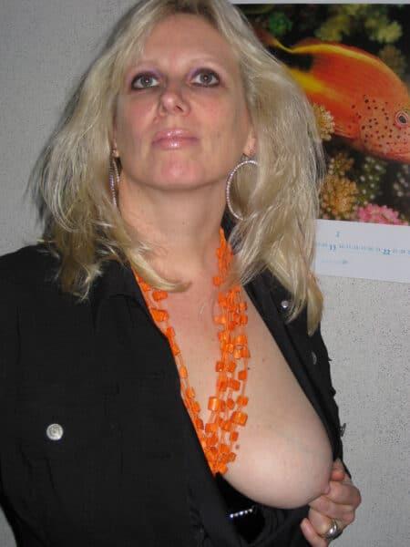 Passez un plan baise torride avec une cougar sexy