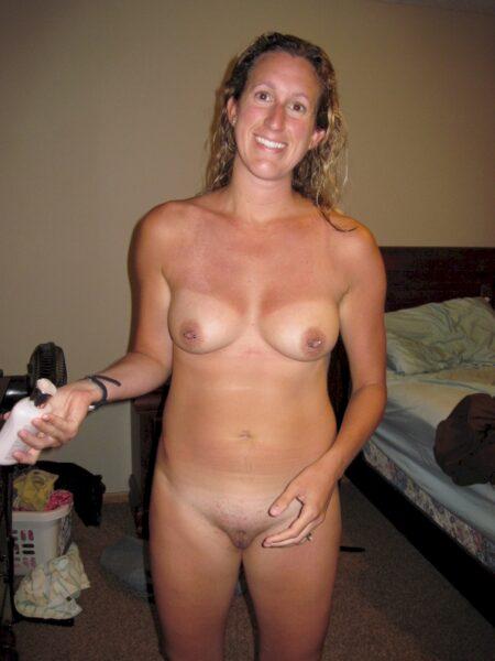 Femme cougar domina pour amant soumis