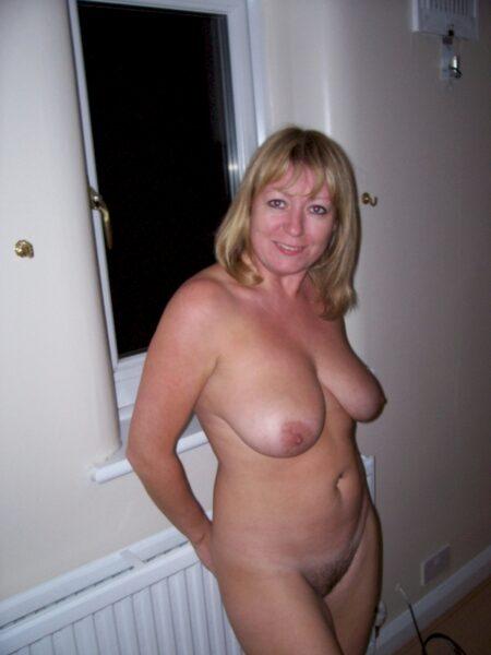Femme sexy vraiment très en manque recherche un gars impudique