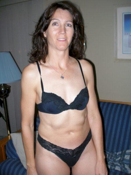 Je recherche un plan sexe hot avec un homme docile sur le 35