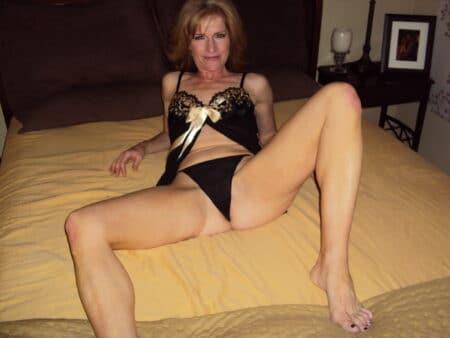 Passez un moment hot avec une cougar sexy
