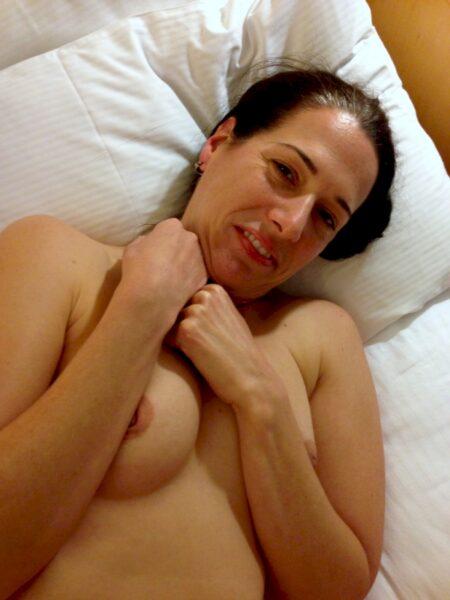 Passez une nuit torride avec une salope sexy